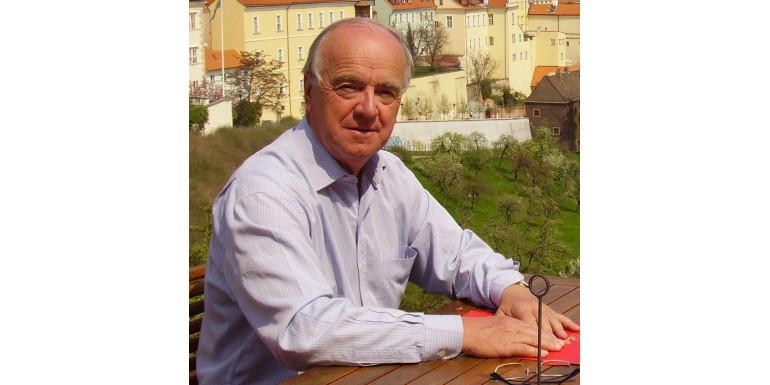 Francja jedyną partią Generała - wywiad z Gérardem Bardy
